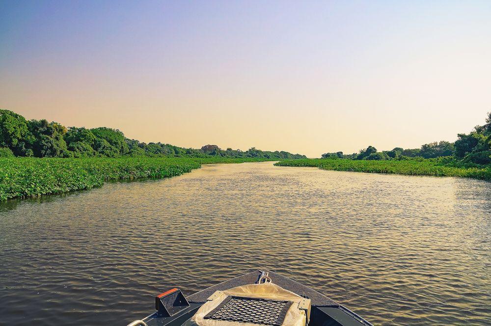 Pacote de pesca no pantanal